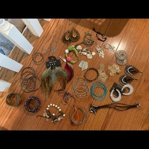 25 pc set of jewelry some new!